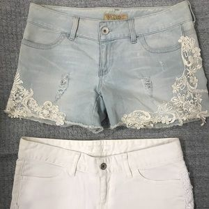 2 BRAND NEW GUESS SHORTS 2/pair size 30 😊❤️
